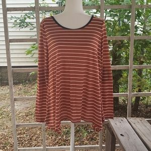 Umgee Women's long sleeve top Size Small